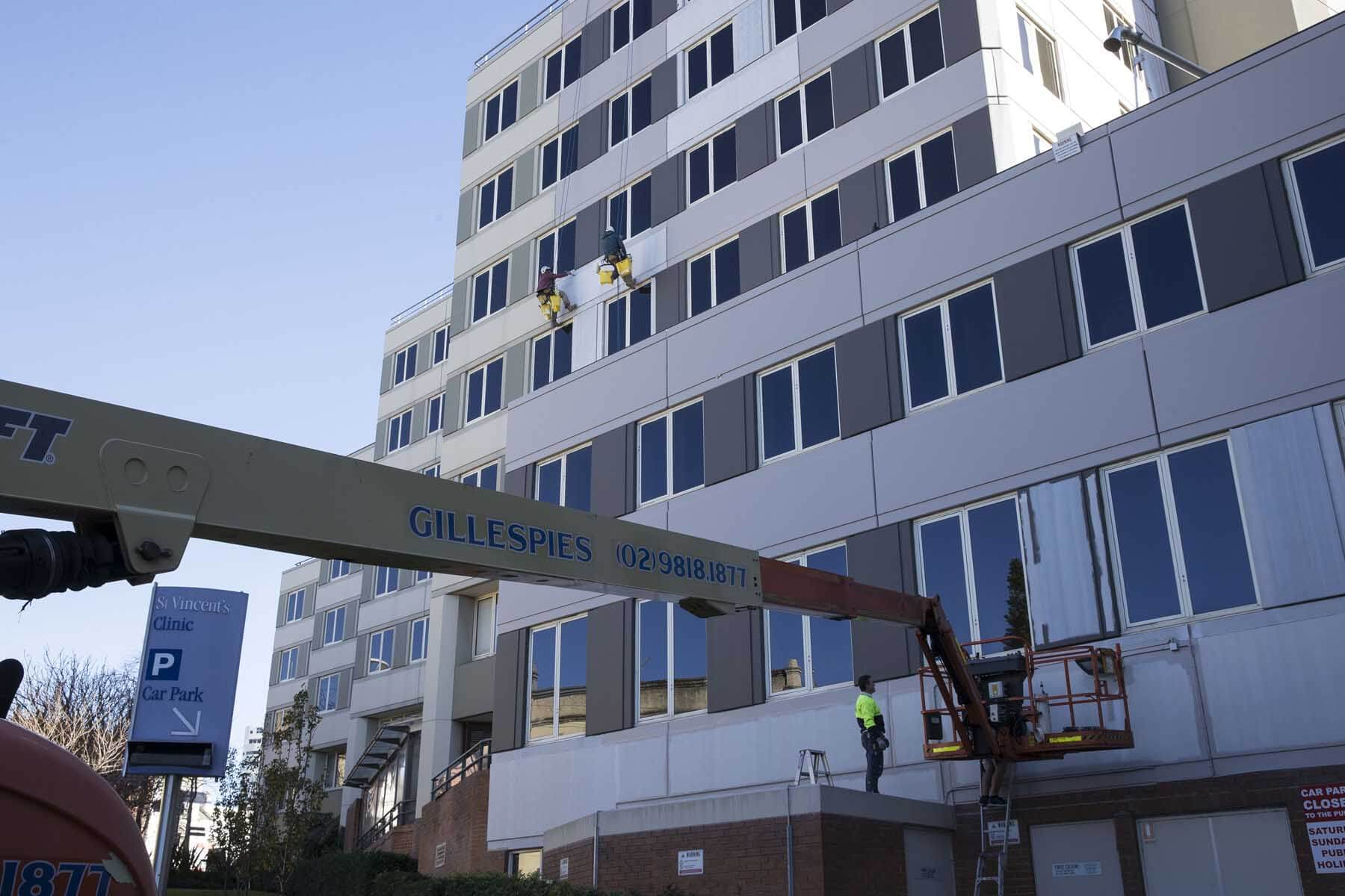 st-vincents-hospital-repainting-cherry-picker